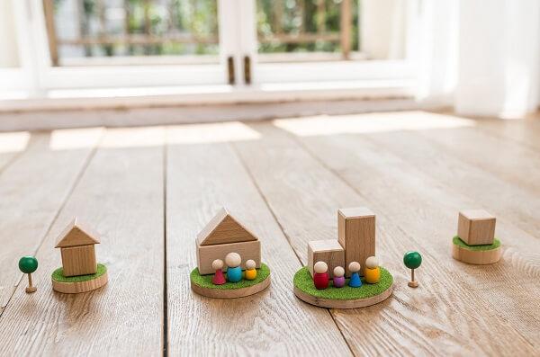 積み木の家と人